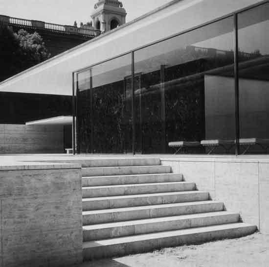 Mies Van der Rohe, Padiglione tedesco allEsposizione di Barcellona, 1929...